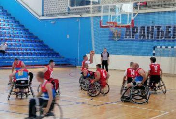 Aranđelovac pozdravio košarkaše u kolicima