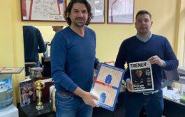 UKTS poklonio trenerima sa teritorije RKS CS Trenersku tablu i časopis Trener